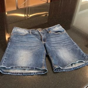 Max Jeans Size 6 Jeans Shorts